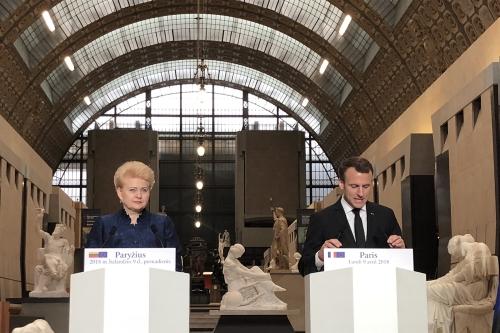 Macron à Orsay.jpg