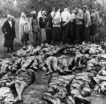 Katyn_charnier-massacres de prisonniers par le NKVD 1940.jpg